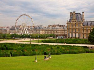 Paris shutterstock_112994110